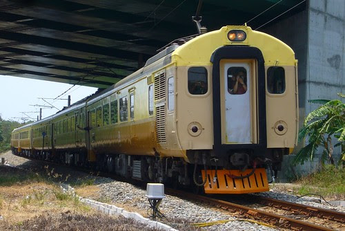 EMU100專列(1051C次)