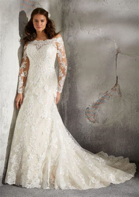 Gorgeous Plus Size Wedding Dresses from the Julietta