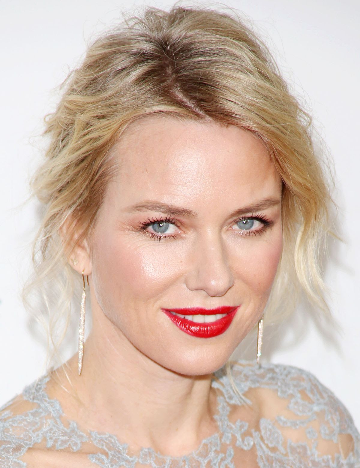 http://www.celebzz.com/wp-content/uploads/2014/01/naomi-watts-at-2014-g-day-usa-l.a.-black-tie-gala-at-l.a.-live-in-los-angeles_2.jpg