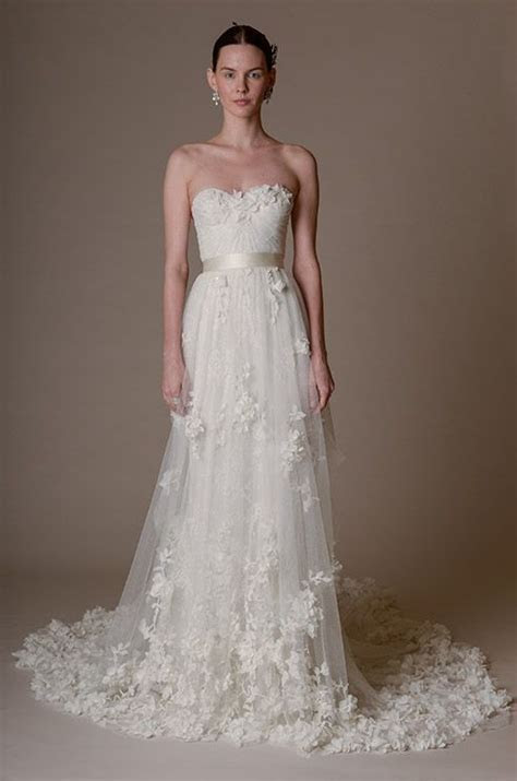 2016 Spring / Summer Wedding Dress Trends   Dipped In Lace