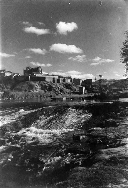 Toledo en 1935. Fotografía Josep Gaspar i Serra © Arxiu Nacional de Catalunya. Signatura ANC1-23-N-1525