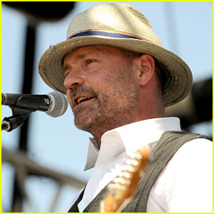 Gord Downie Dead - Tragically Hip's Frontman Passes Away at 53 From Glioblastoma
