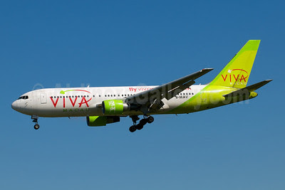 Viva Macau Boeing 767-284 ER B-MAV (msn 24716) SYD (Bernie Leighton). Image: 922584.