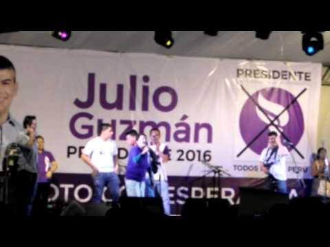 La guzmanlover en el mitín de Julio Guzmán en Trujillo