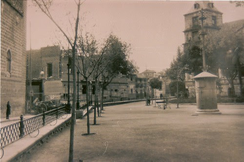 Obras de construcción de la actual Audiencia de Toledo junto a la Palza del Ayuntamiento
