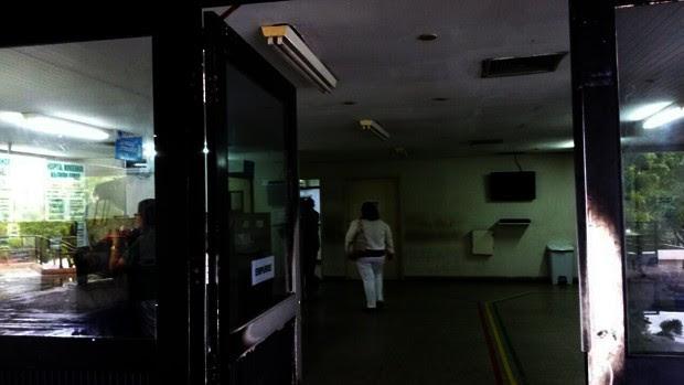 Mesmo com a ativação atrasada do gerador, energia ficou oscilando no Hospital Monsenhor Walfredo Gurgel (Foto: Marksuel Figueiredo/Inter TV Cabugi)