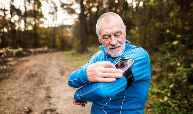 В Евросоюзе разработали носимое устройство для счастливой старости