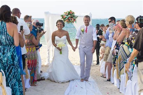 A Conversation with Loreto Lazo on Weddings in Jamaica at