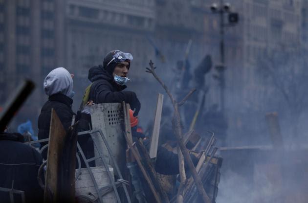 Τι πραγματικά συμβαίνει στην Ουκρανία; Ποιος ο ρόλος Γερμανίας και ΗΠΑ