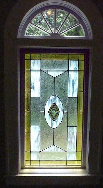 P1080752-2012-05-22-Stained-Glass-1965-Ponce-De-Leon-built1912