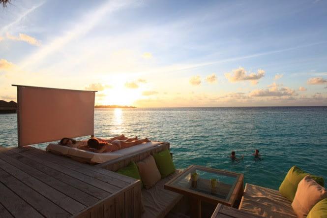 resort tanning deck maldives