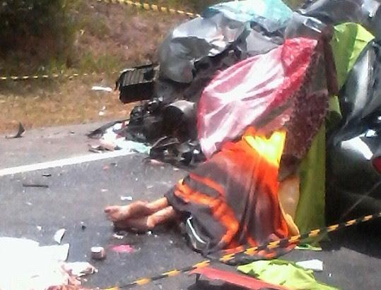 Quatro pessoas morreram no local do acidente na BR-116