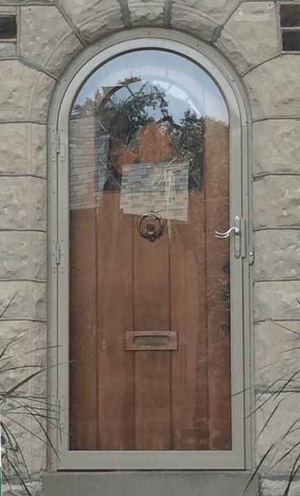 round double door design    1200 x 799
