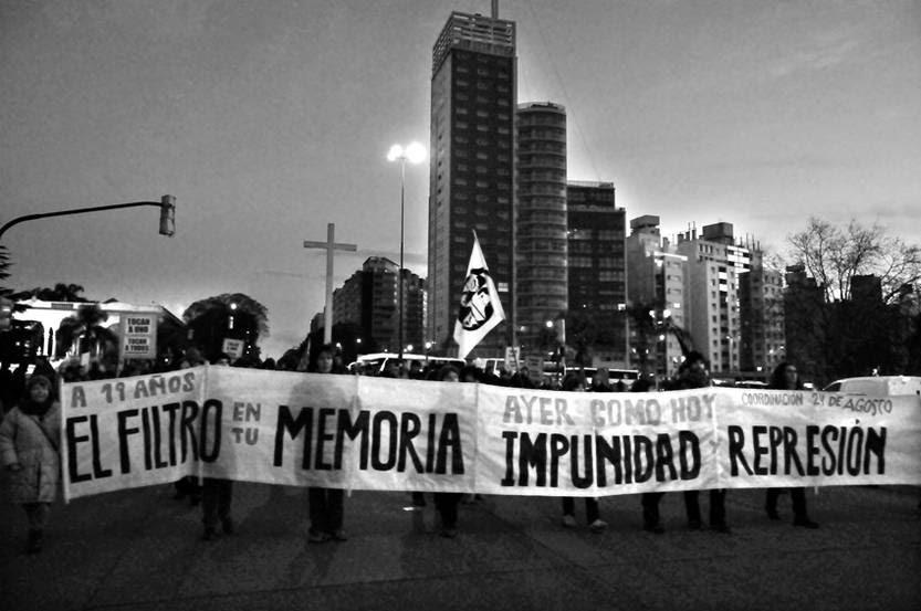 Marcha del Filtro, el sábado, por Bulevar Artigas. / foto: Javier Calvelo