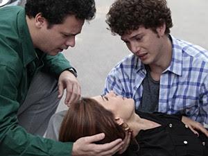 Carmem, Gabriel e Fabiano tentam se acertar (Foto: Malhação / TV Globo)