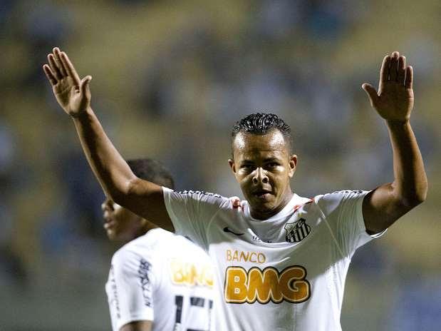 Autor de gol contra o Grêmio Barueri, atacante deve iniciar lista de desligamentos no Santos Foto: Bruno Santos / Terra