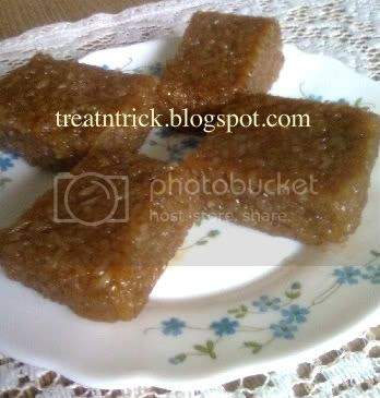 Photobucket Wajik Recipe @ http://treatntrick.blogspot.com
