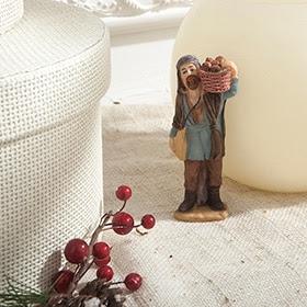 Figura de pastor con cesta de 10cm