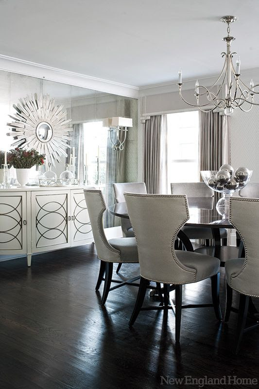 A modern and glamorous Greenwich home tour from Mix and Chic! Simply chic dining room.