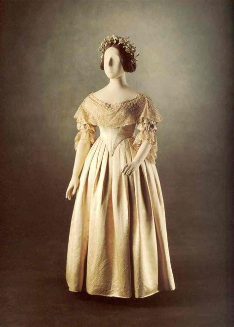 Queen Victoria Wedding Dress Trendsetter
