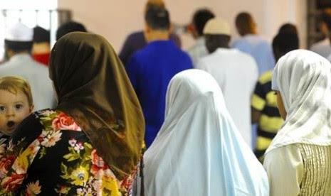Islam Tumbuh di 'Negeri Bikini' (1)