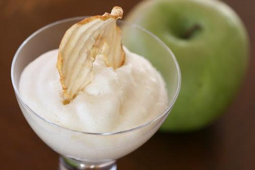 Apple mousse / Vahustatud õunatarretis