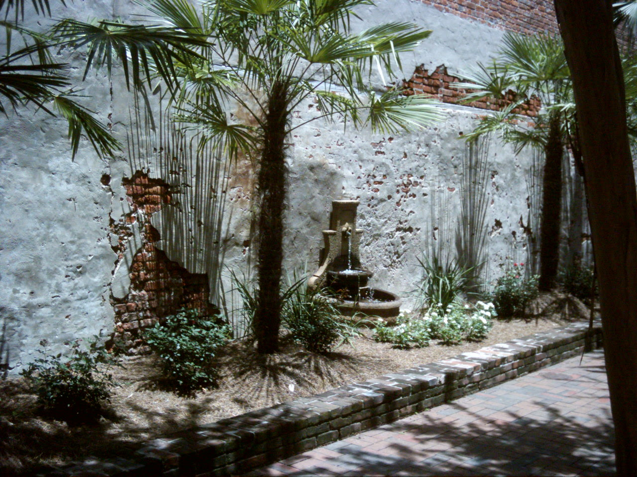 Secret Gardens of the French Quarter | Grace takes the long way home.