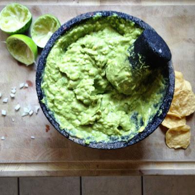 molcajete guacamole