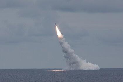 США испытали две межконтинентальные баллистические ракеты Trident II