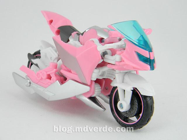Transformers Arcee Deluxe - Transformers Prime - modo alterno