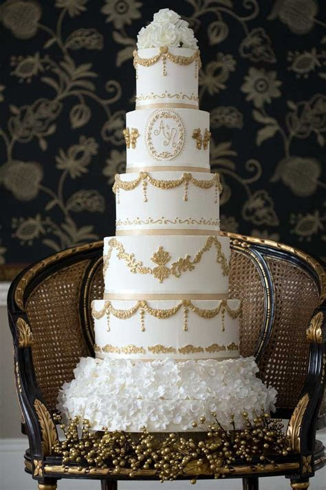 Wedding Cake Prices Guide for budgets from £100 to over £