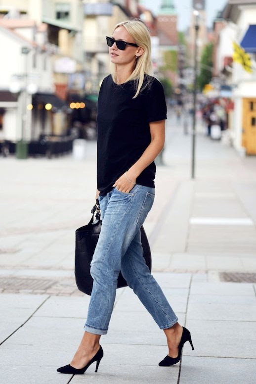 Le Fashion Blog Summer Style Uniform Black Tee Leather Tote Bag Boyfriend Jeans Heels Swedish Blogger Sara Lund Via Sarahlinneea Side photo Le-Fashion-Blog-Summer-Uniform-Black-Tee-Boyfriend-Jeans-Via-Sarahlinneea-Side.jpg