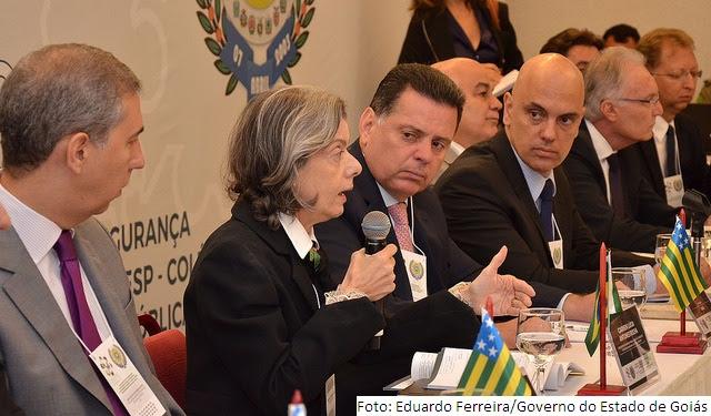 Ministra Cármen Lúcia diz que a violência no país exige mudanças estruturantes