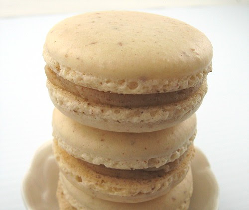 salted_alm_butter_macaron_2