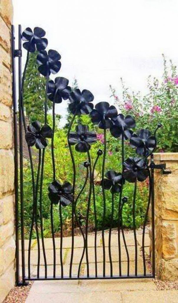 1 3 604x1024 15 Decorative Metal Gate Design for Amazing First Impression