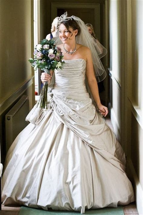 Ian Stuart Second Hand Wedding Dress on Sale 55% Off