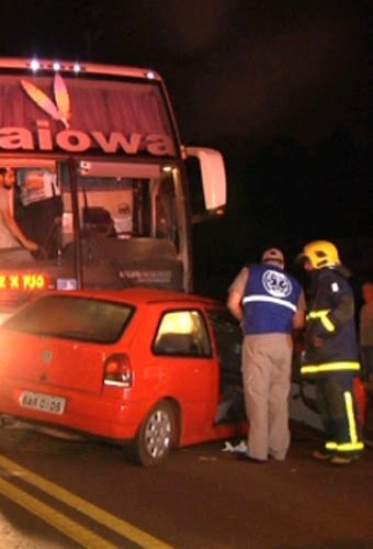 Na contramão, motorista bate de frente com ônibus na BR-369