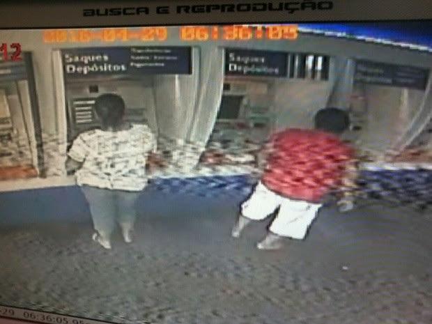Polícia da Paraíba suspeitou do casal depois que eles foram flagrados acessando a conta da vítima (Foto: Reprodução/ Polícia Civil)