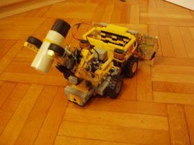 Lego robot-to-Robot-xe-hàng rào-4