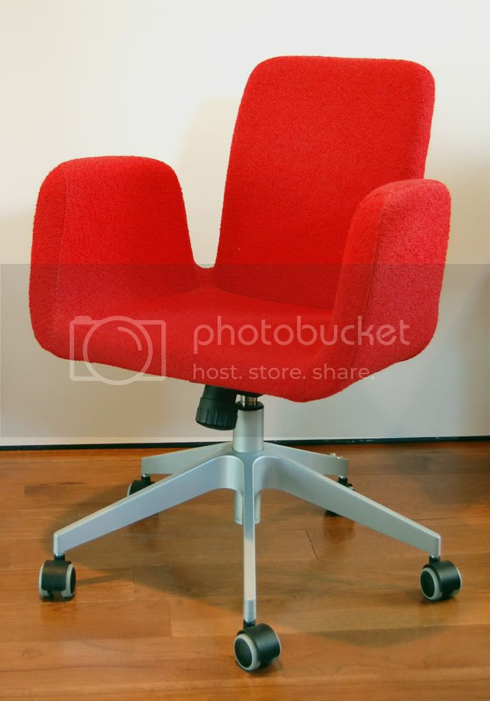 Red Desk Chair. Cushy. $40. Photo by YernarYerimbetov | Photobucket