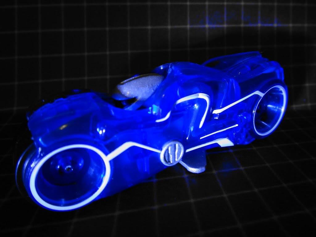 hot wheels motorcylce light rider tron lightcycle toy