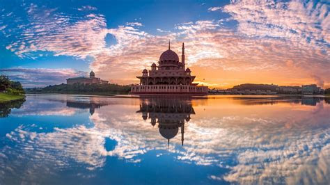 full hd wallpaper putra mosque amazing putrajaya lake