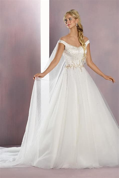 Elsa from Disney Fairy Tale by Alfred Angelo   hitched.co.uk