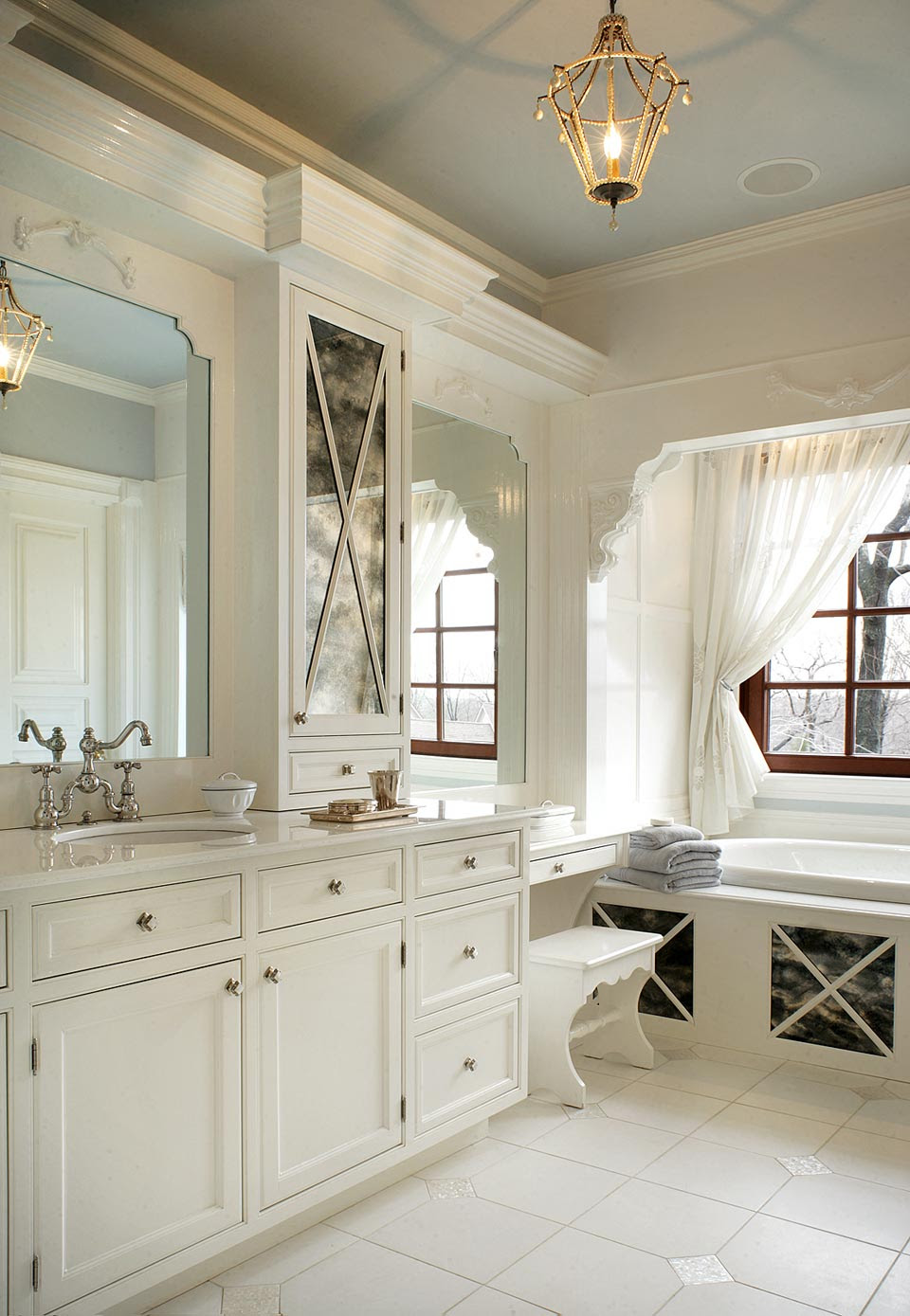 11 Awesome Traditional Bathroom Designs - Awesome 11