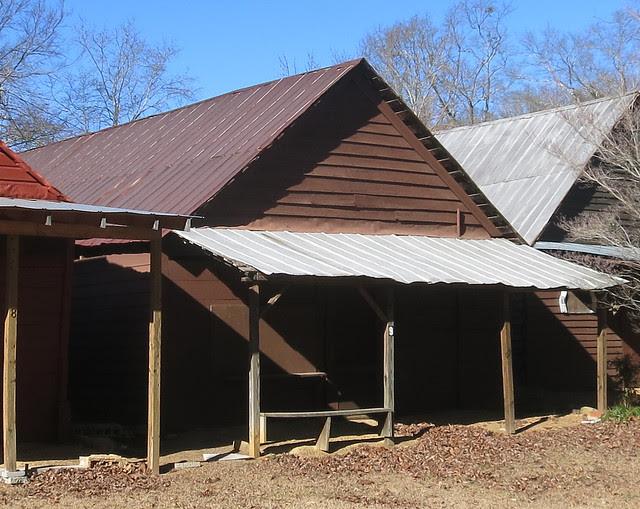 IMG_0063-2014-01-24-Shingleroof-Campground-McDonough-Georgia-single-brown-paint