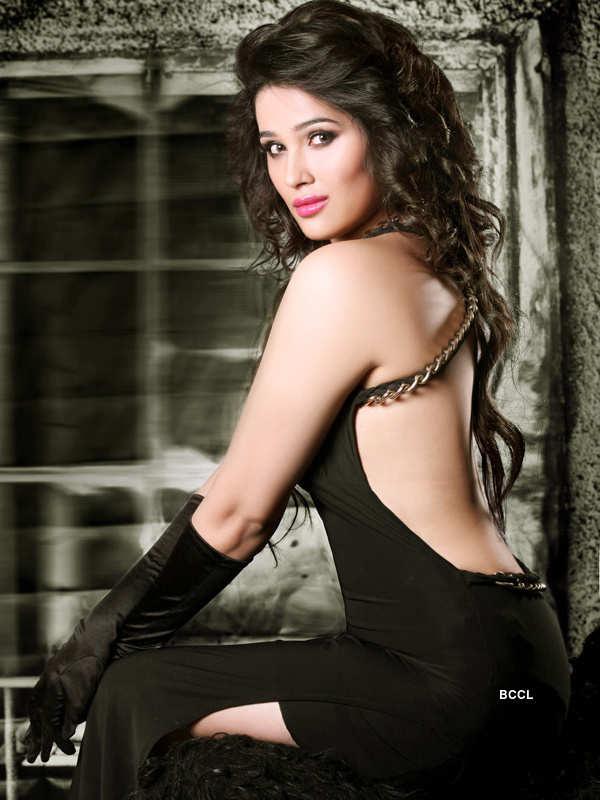 Sakshi Maggo Rising Indian Model and upcoming Bollywood Actress most hot and sexy stills