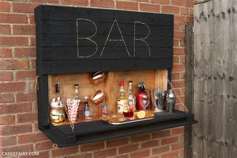 illuminated drop  outdoor bar  pallets