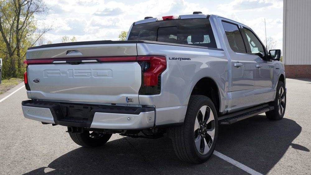 The top-spec Ford F-150 Lightning equipped with a longer-range battery has an estimated towing capacity of 4.5 tonnes. Image: AP Photo/Paul Sancya