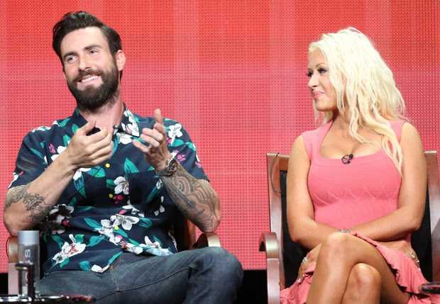 Adam Levine e Christina Aguilera (Foto: AFP)