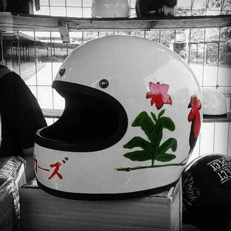 foto  buktikan logo ayam jago merah bisa jadi fashion